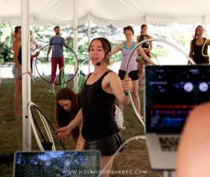 Enseigner le hula-hoop